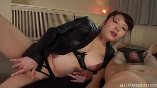 Japan mommy loves the big dick in say no to creamy holes