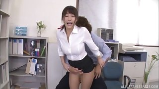 Amateur Japanese babe Ayami Shunka fingered and fucked in chum around with annoy office